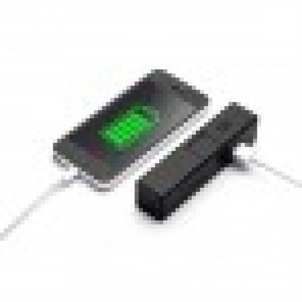 Зарядно с фенерче и поставка за телефон