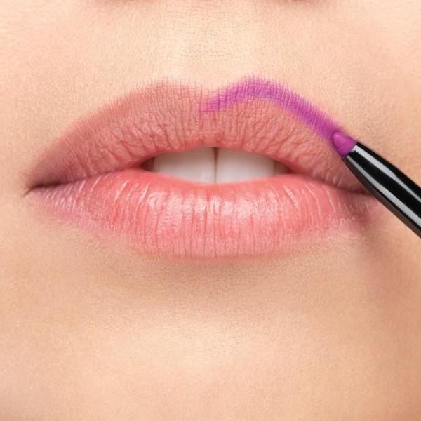 Молив за устни True Colour