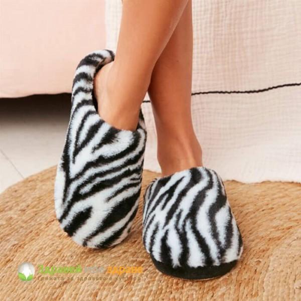 Пантофи със зебра принт