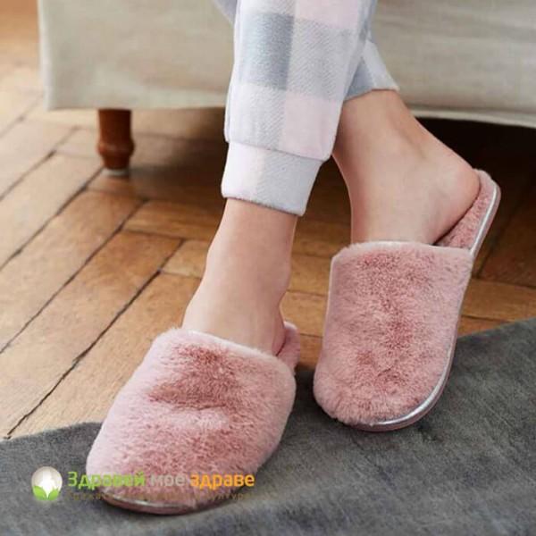 Пантофи с пухкава вата в розово