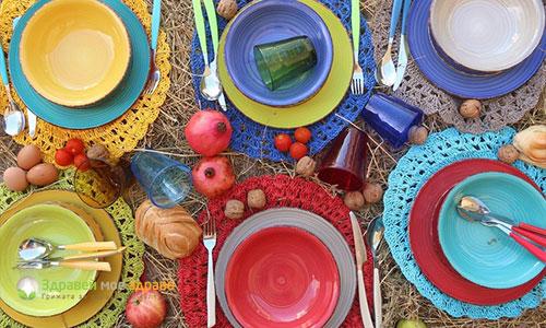Цветове на чинии за хранене